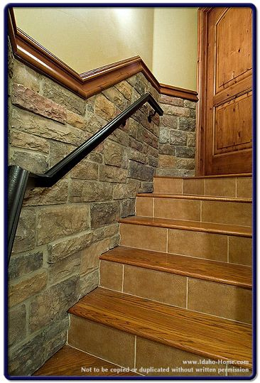 Best Basement Stairs I Don T Like The Tile On The Stairs But I 640 x 480