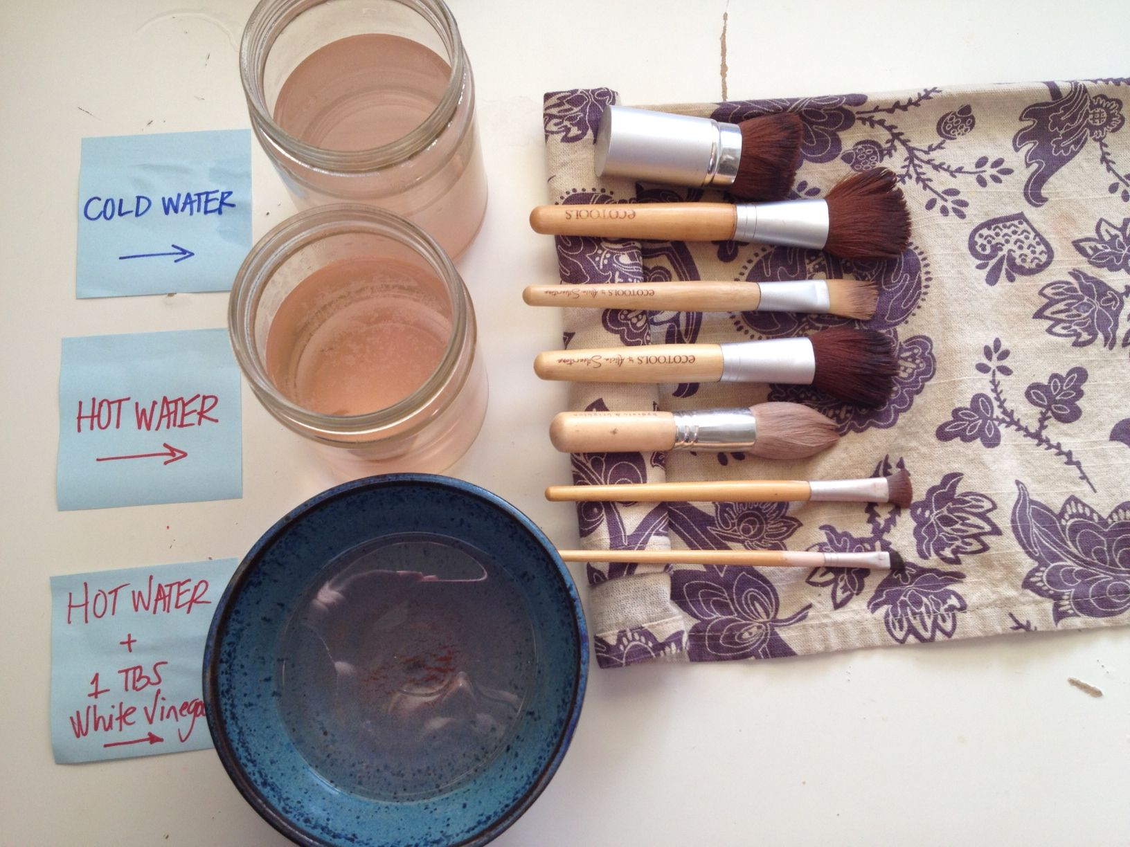 How to clean your makeup brushes a tablespoon of white
