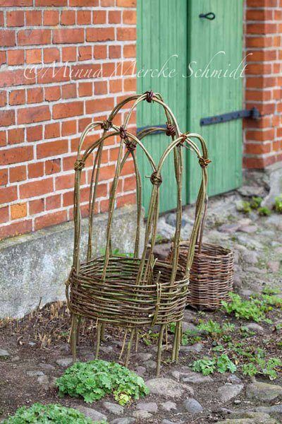30+ Garden Projects using Sticks and Twigs