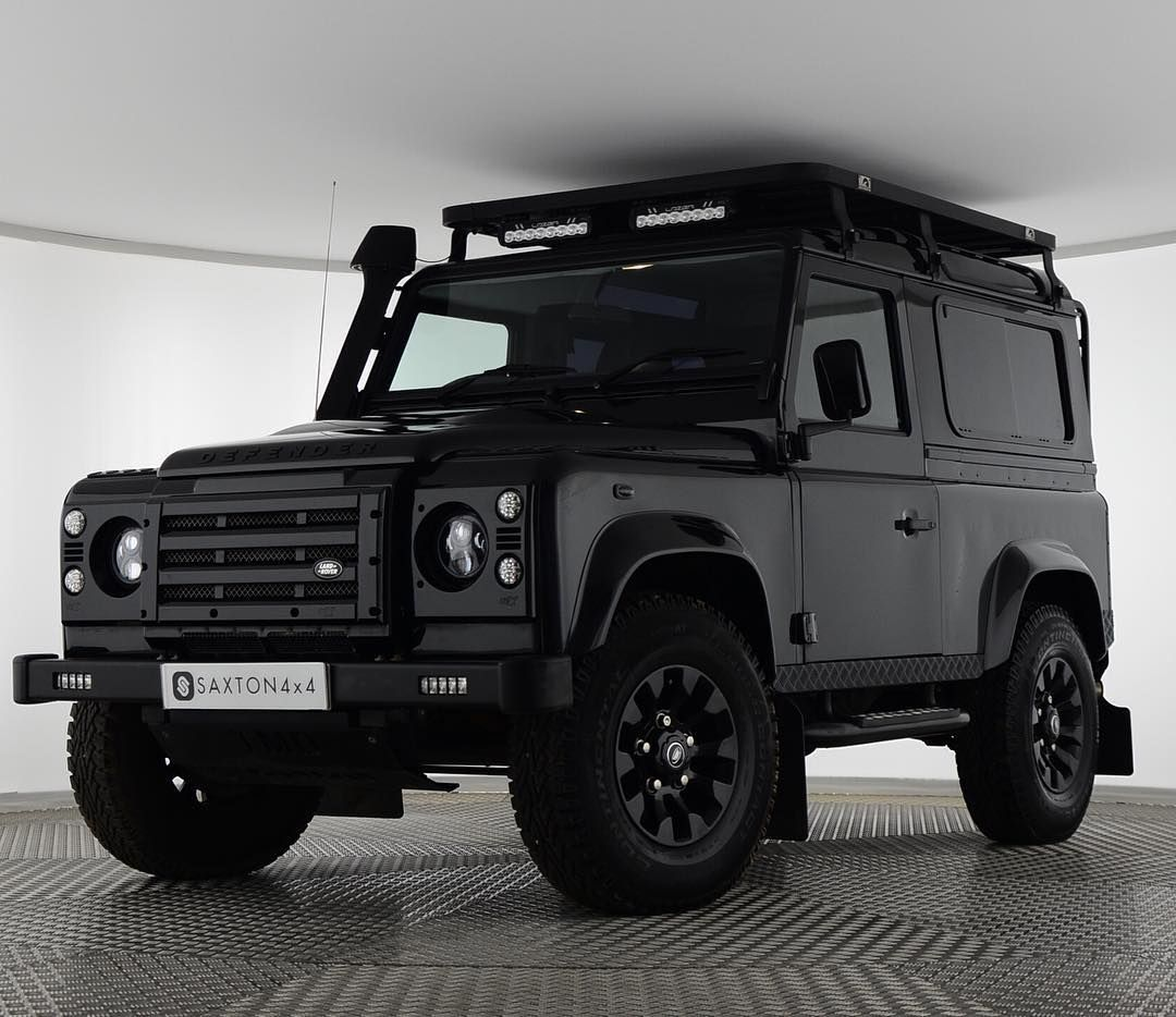 Go Exploring With Our Defender 90 2.2 XS TMD Edition With