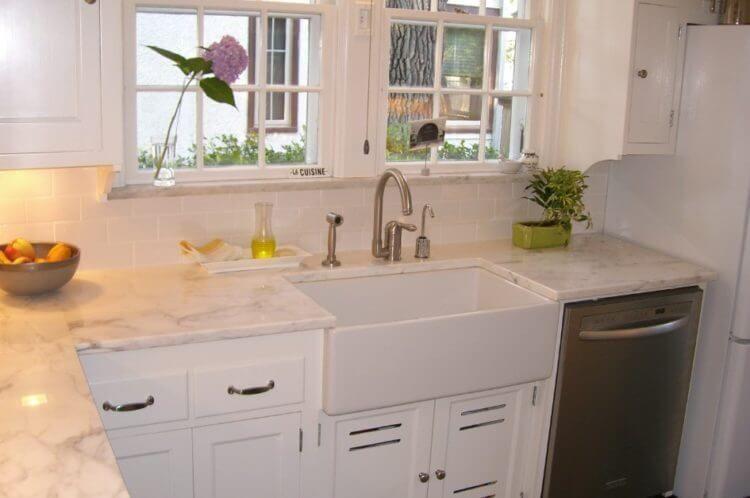 23 Corner Kitchen Sink Ideas For Best Cooking Experience Kitchen Design Granite Countertops Small Farmhouse Kitchen Kitchen Design