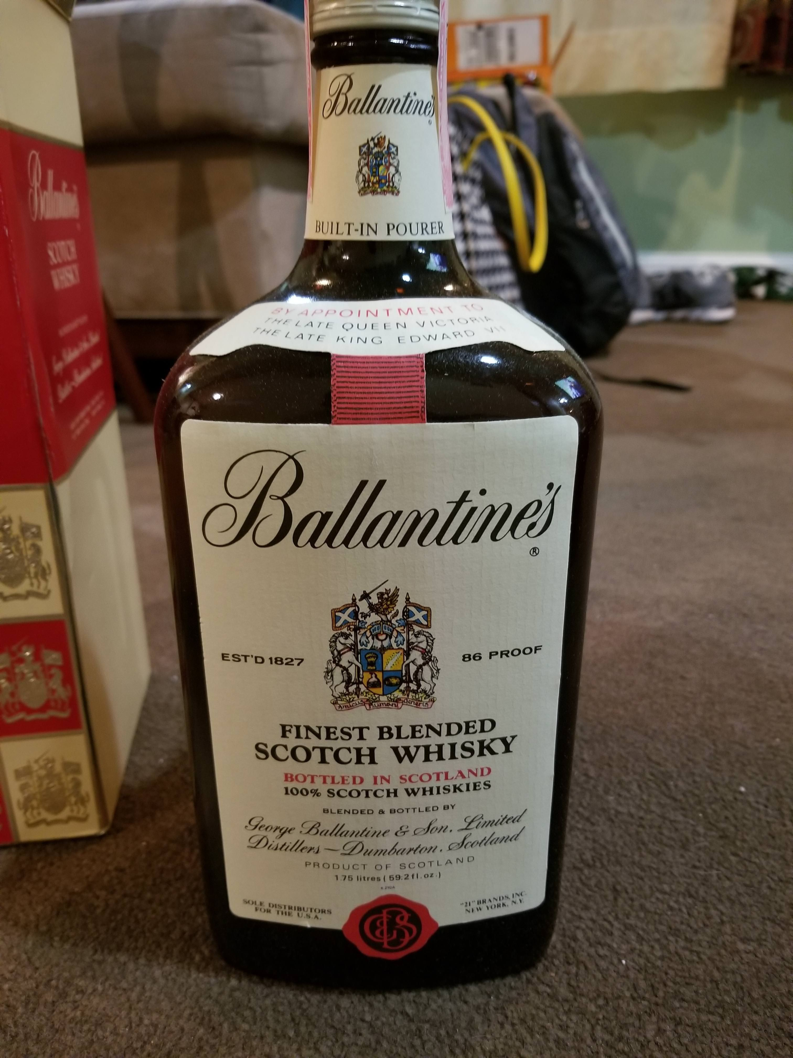 Pin By Todd Jackson On Booze Blended Scotch Whisky Bottle