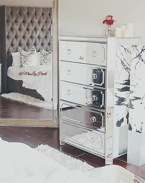 Misslizheart S Glamorous Regency E Gets An Extra Dose Of Reflective Luxury With Our Simplicity Mirrored 5 Drawer Tall Chest