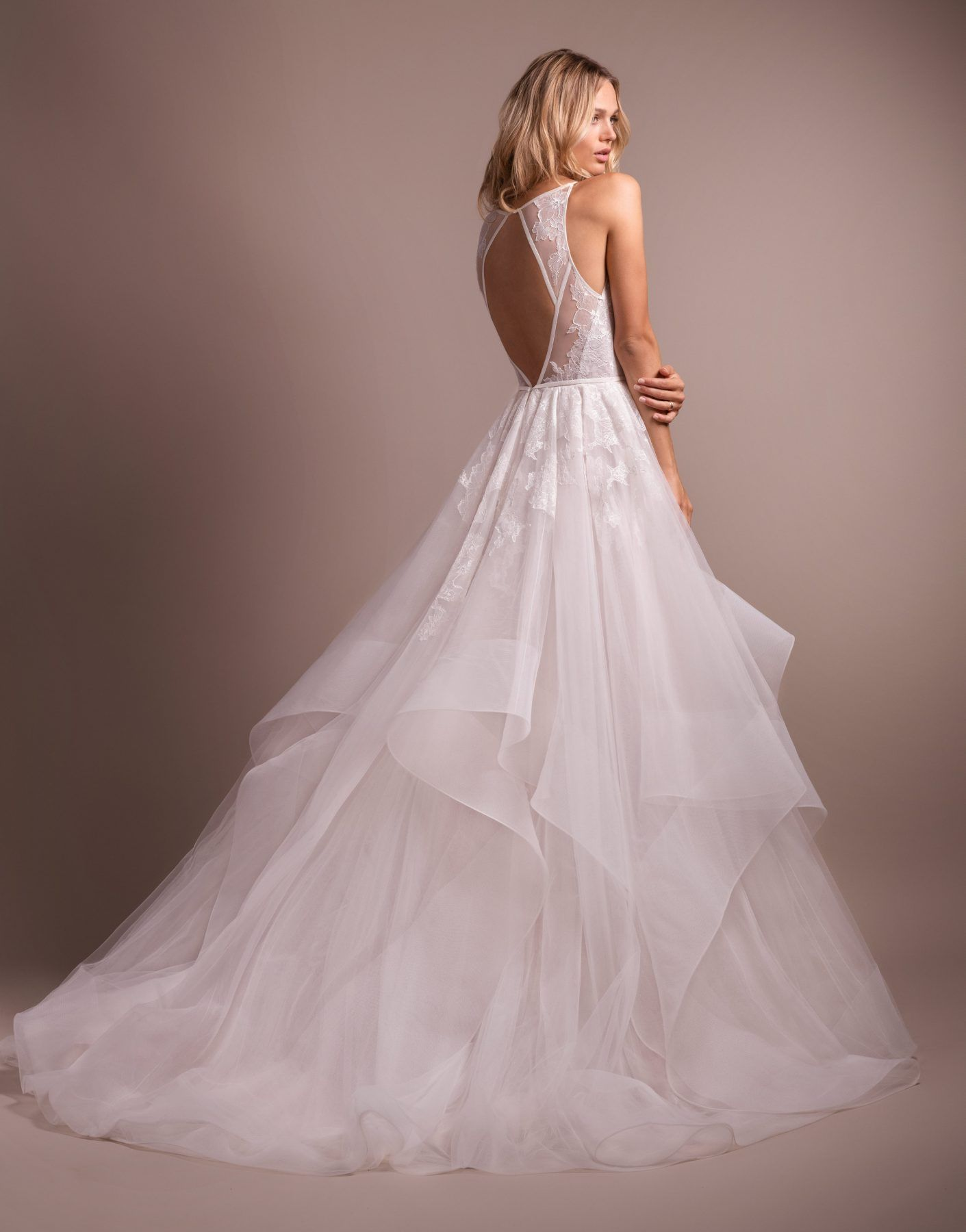 Lace Bodice Tulle Skirt Ball Gown Wedding Dress Classic Wedding