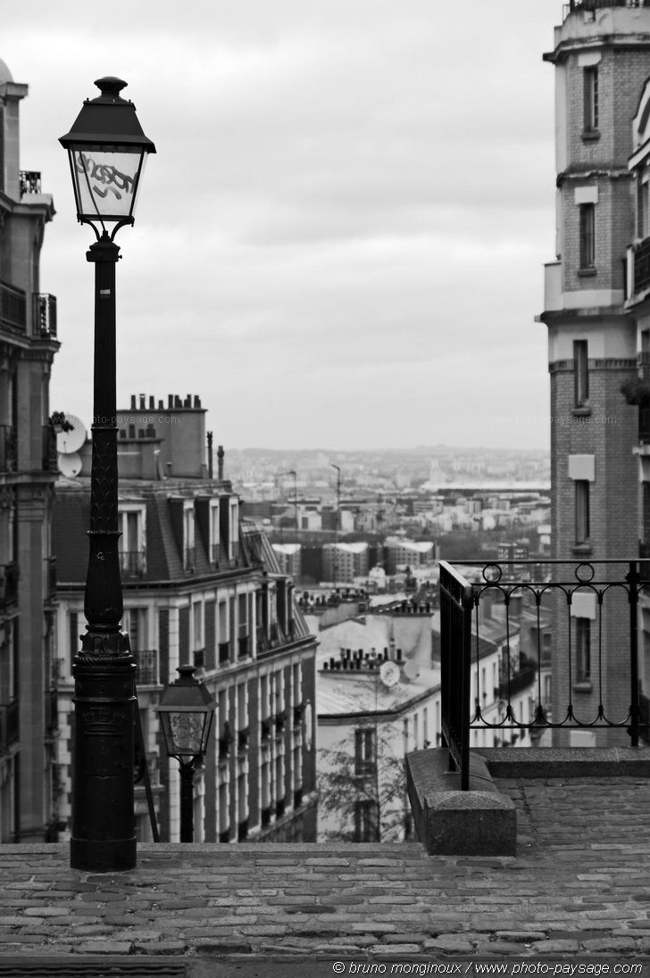 montmartre street photo paysage com montmartre paris pinterest photo noir et blanc. Black Bedroom Furniture Sets. Home Design Ideas
