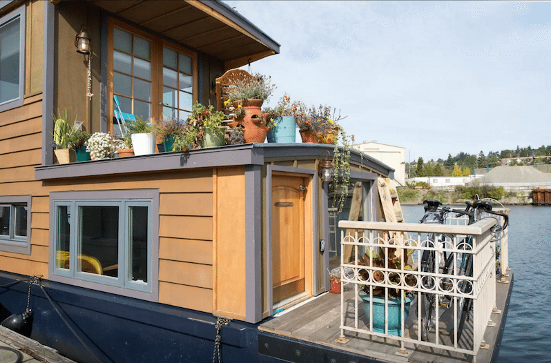 Seattle Lakeside Lovenest Houseboats For Rent In Seattle