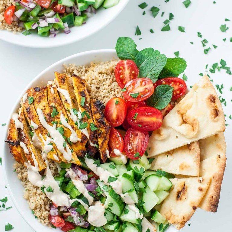 HEALTHY CHICKEN 🐓 SHAWARMA QUINOA 🍲 BOWLS  We're loving 🥰 this recipe for healthy🌱Chicken 🍗 Shawarma...