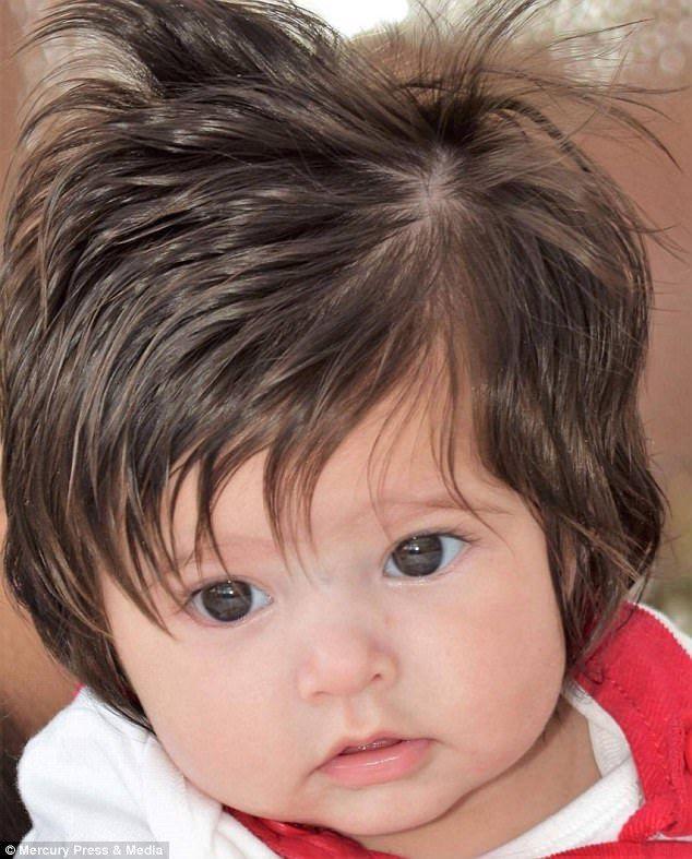 Da Serie Bebes Mais Cabeludos Do Mundo Conheca A Pequena Holly