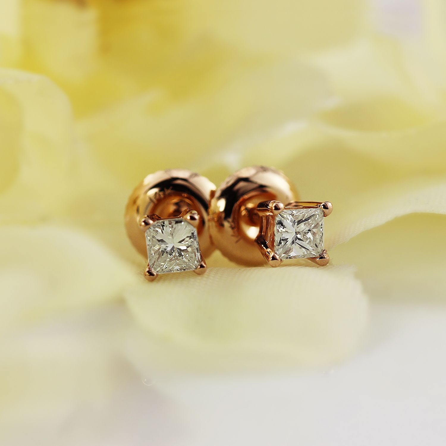 diamond cut in earrings h square i white halo gold stud princess si
