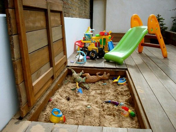 Decking sandpit marcelo lorenzo pinterest jardines for Jardineria al aire libre casa pendiente