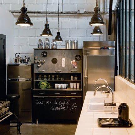 Beautiful kitchen mattonelle bianche al muro acciaio e for Mattonelle da muro