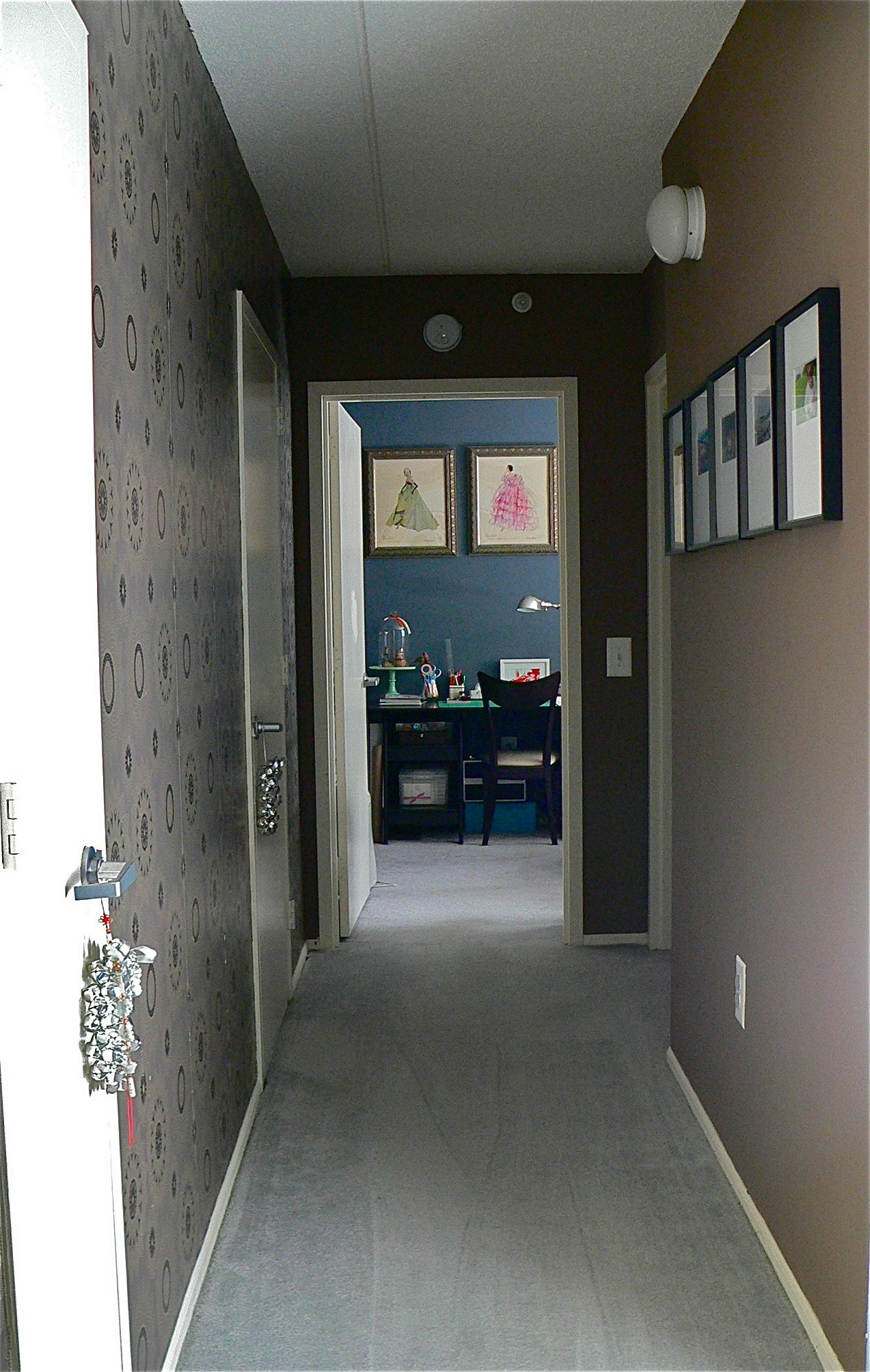 Entrance Hallway Wallpaper Or Decals On One Side Paint On The Other Not These Colors Too Dark For The Entrance Paint Trends Home New Homes