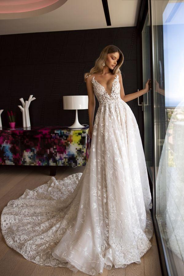 Photo of wedding dress romina