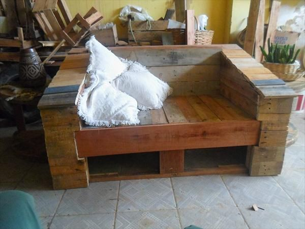 Delightful DIY Pallet Inspired 2 Seater   Pallet Patio And Porch Sofa!!