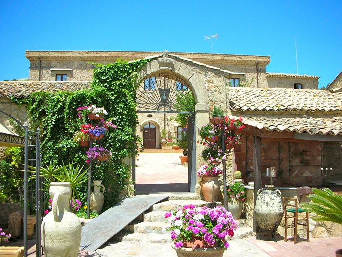 Summer at Vecchia Masseria Agriturismo, Sicilia, Hotel