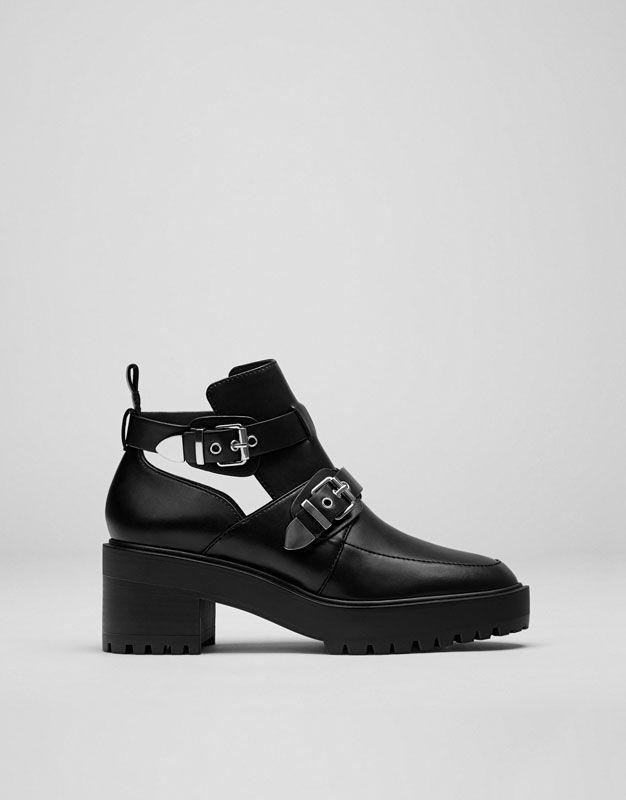 043dd8bc Botín moda hebillas - Ver todo - Zapatos - Mujer - PULL&BEAR España ...
