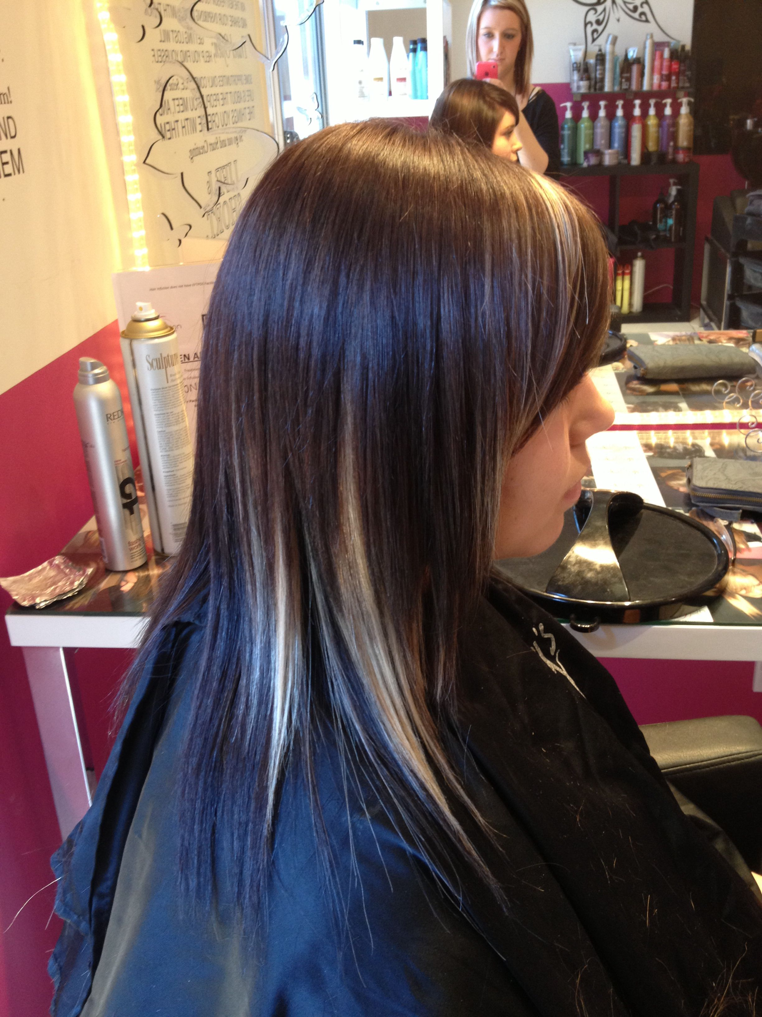 Short glorious black brown hairstyles with blonde highlights advise