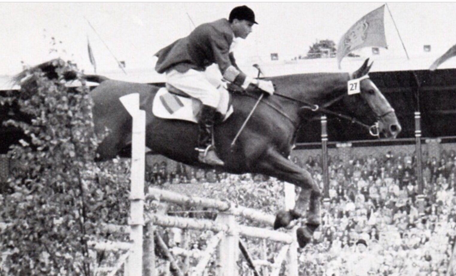 Francisco Goyoaga (Madrid1920-1980) jinete de equitación en la ...
