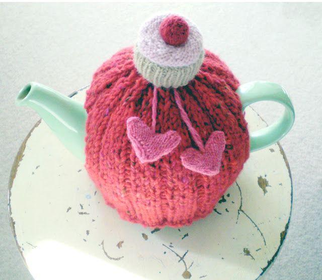 Free Knitting Pattern For Cupcake Tea Cozy Crafts Pinterest