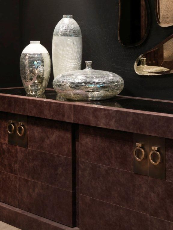 #brera details #leather and #bronze handles