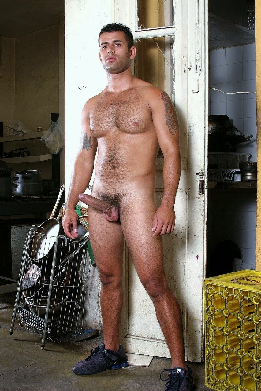 Naked male bodybuilder with huge dick