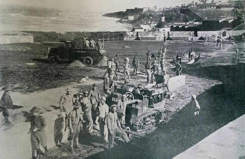 Construcción De La Piscina Del Morro En San Juan Puerto Rico Año 1926 Puerto Rico History Puerto Rican Culture Puerto Rican Pride