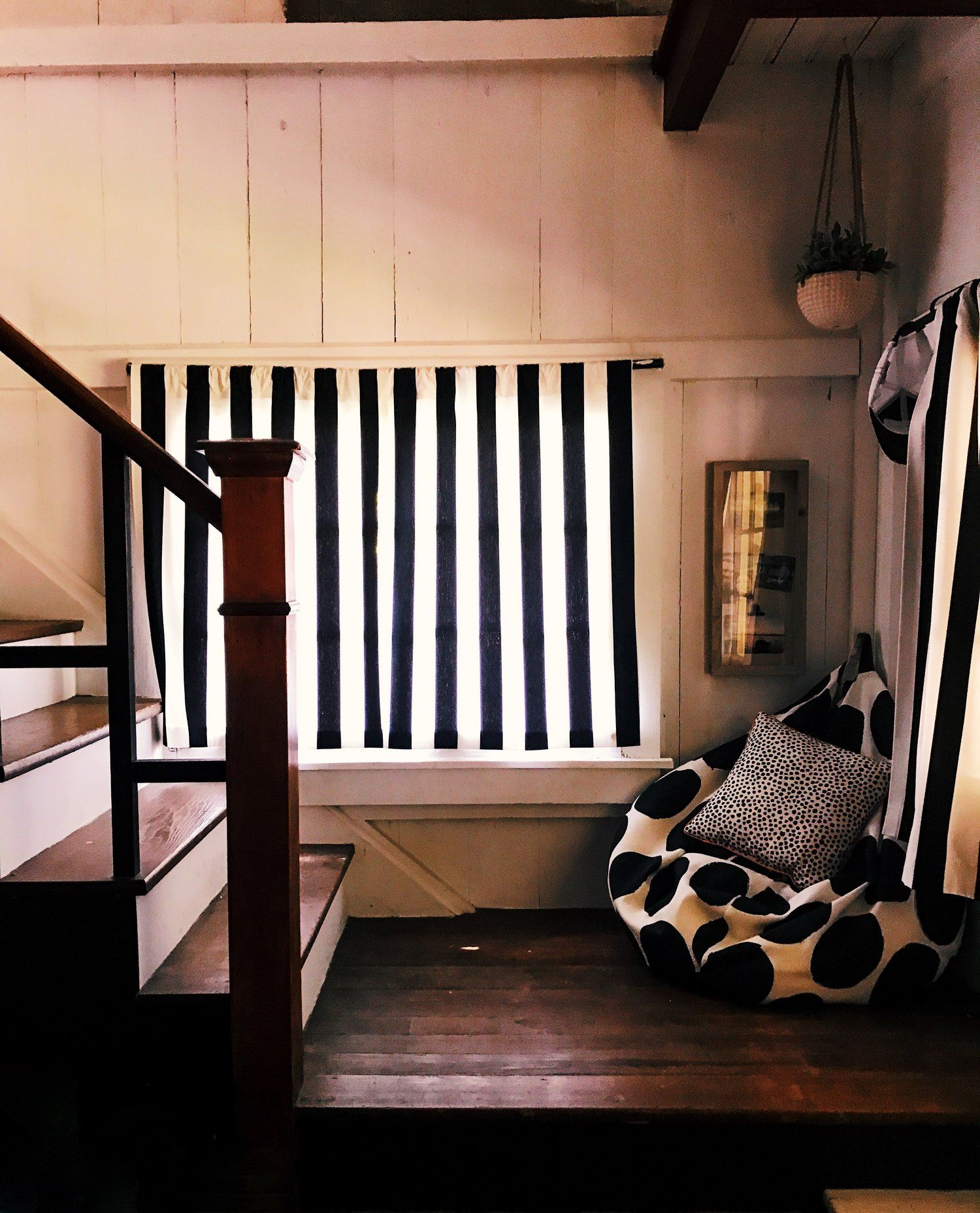 Wood stair ideas natural stairs lake house black and white decor also jul  pinterest rh