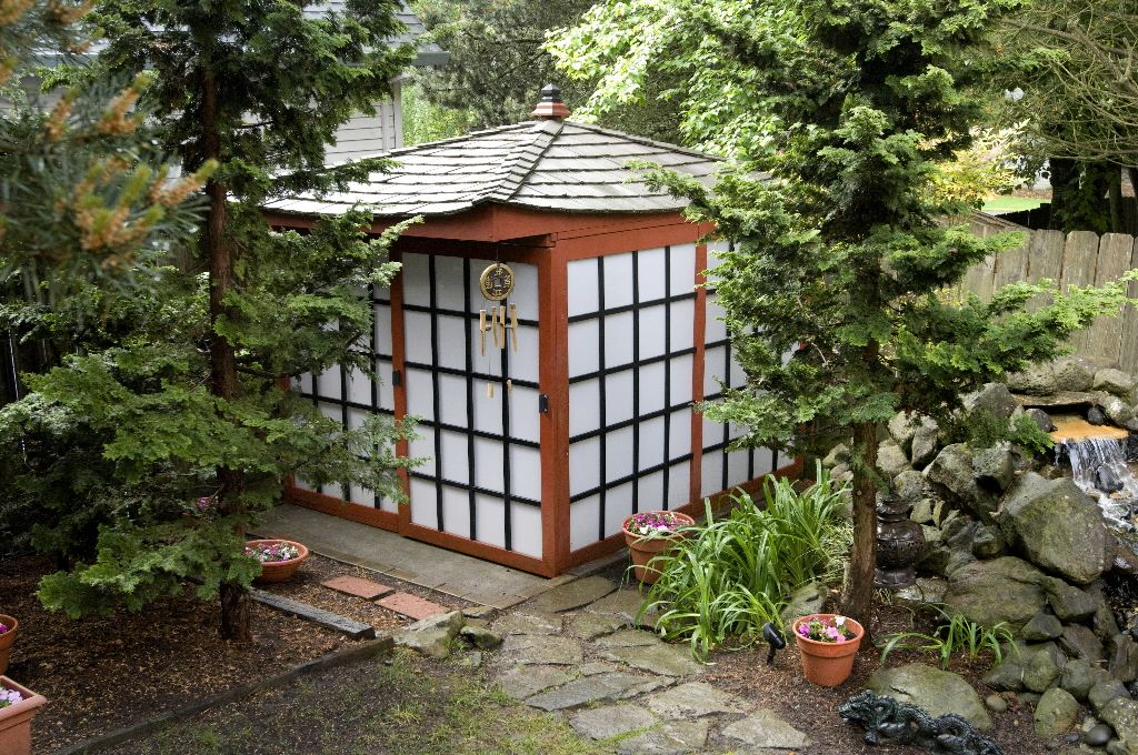 Merveilleux Japanese Garden Shed For Pool Equip.