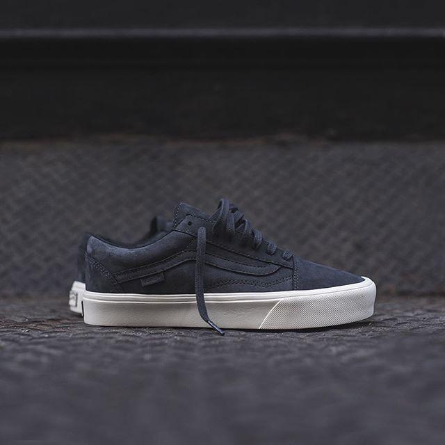 Vans Vault Old Skool Lite LX | Mens vans shoes, Sneakers