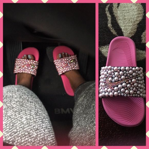 bb0ec97697c21 Nike Custom Cotton Candy Slides🍭 Custom made Nike slides with ...