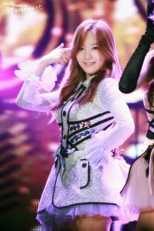 K Pop Fanboy Fangirl Ot4 Most Lurkers On Gaf Snsd Taeyeon Kpop Girls Girls Generation