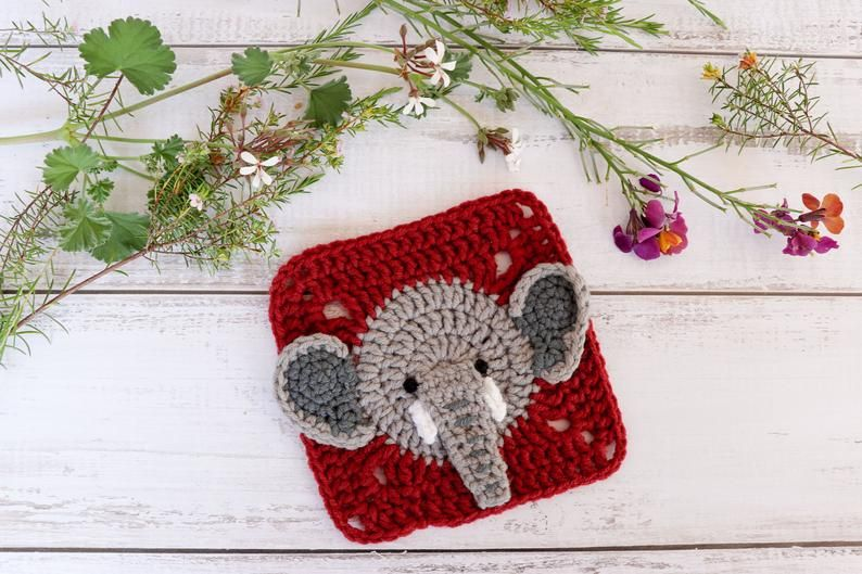 Two Little C's: Elephant Square Free Pattern | 529x794