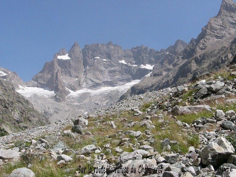 Sur le chemin du refuge du Châtelleret (Alpes)