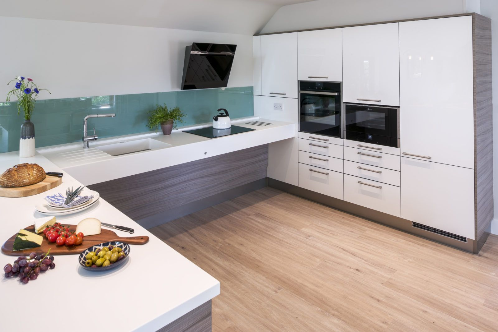Accessible Kitchen Motionspot Accessible Kitchen Spacious Kitchens Home