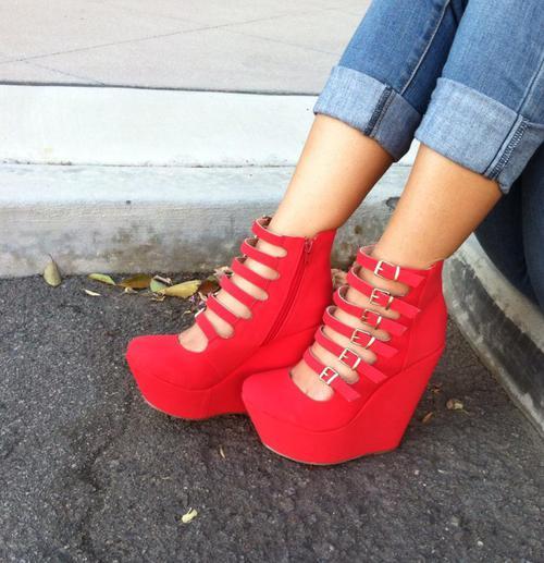 Pin on Shoes i like!