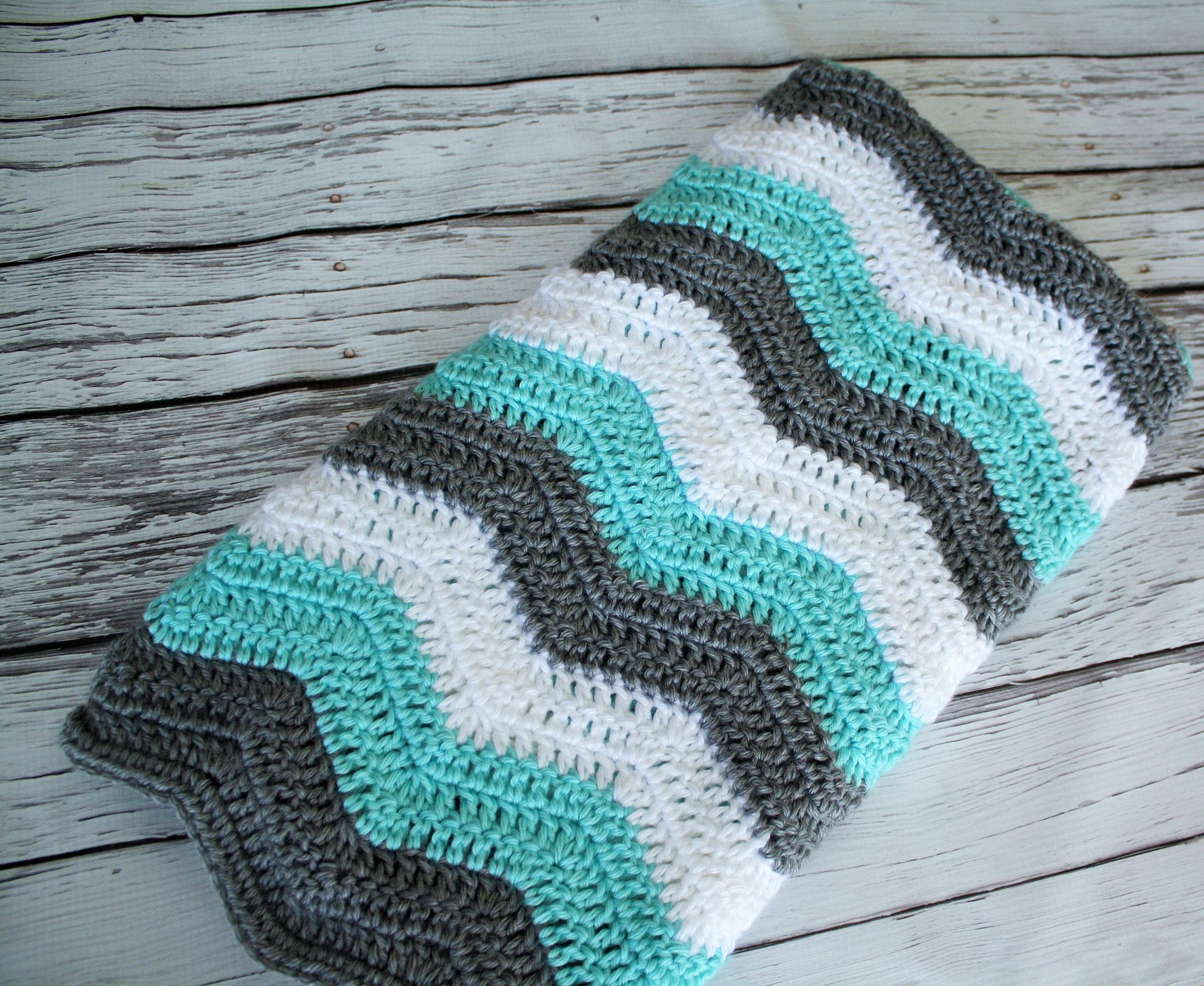 Teal, Grey and White Chevron Blanket | Häkeldecke und Häkeln