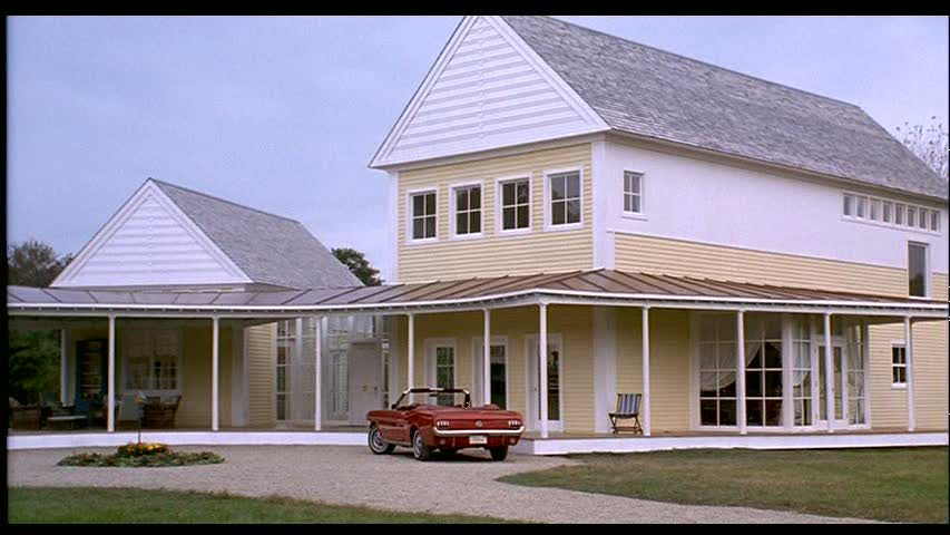 Steve Martin\'s Yellow House in the Movie \