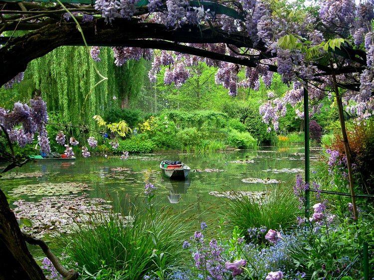 jardins de giverny pendant la saison des glycines voyage