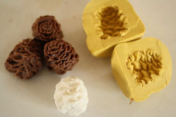PINECONE SILICONE MOULD//MOLD-RESIN//CHOCOLATE-WINTER-CHRISTMAS//XMAS-PINE CONE