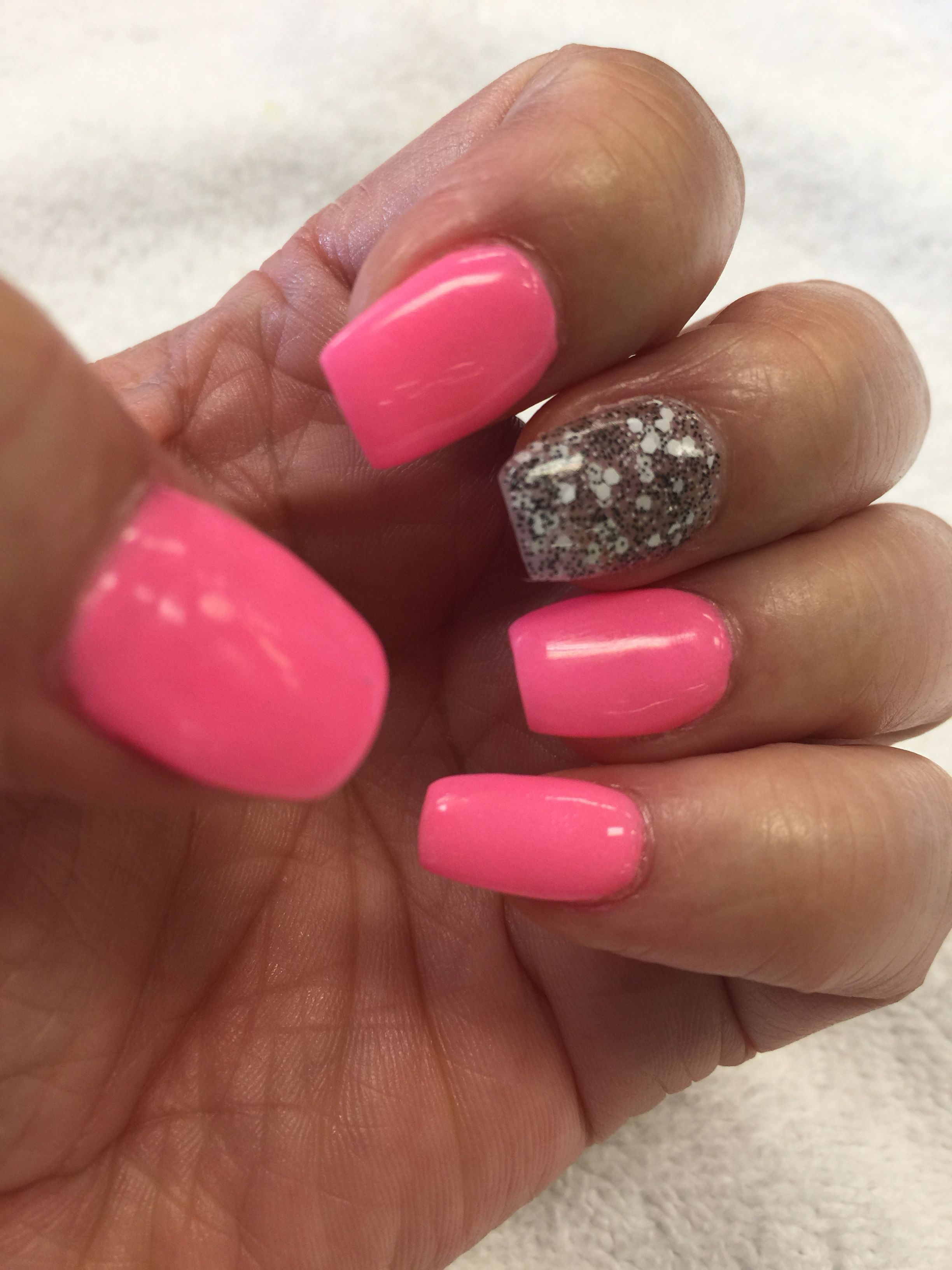 20 Fresh Acrylic Nails Uk Hot Pink For Spring And Summer 20 Fresh Acrylic Nails Uk Acrylic Nails Na Summer Acrylic Nails Pink Nails Bright Pink Nail Polish