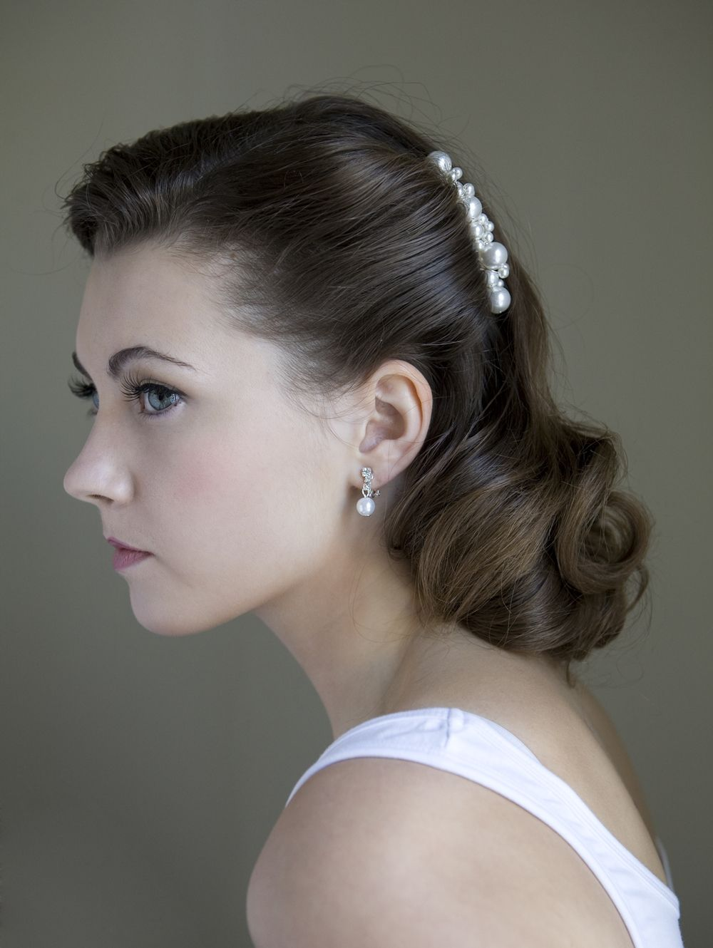 gorgeous, simple makeup and hairdo by beauty call wedding