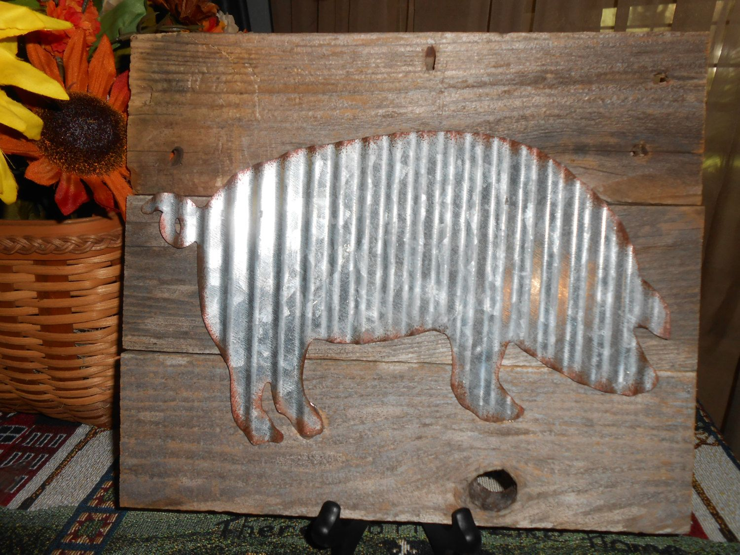 Rustic Reclaimed Wood With Corrugated Metal Pig Wall Art 12 X 10 By Treasuresshop On Etsy Pig Wall Art Farm Decor Rustic Reclaimed Wood