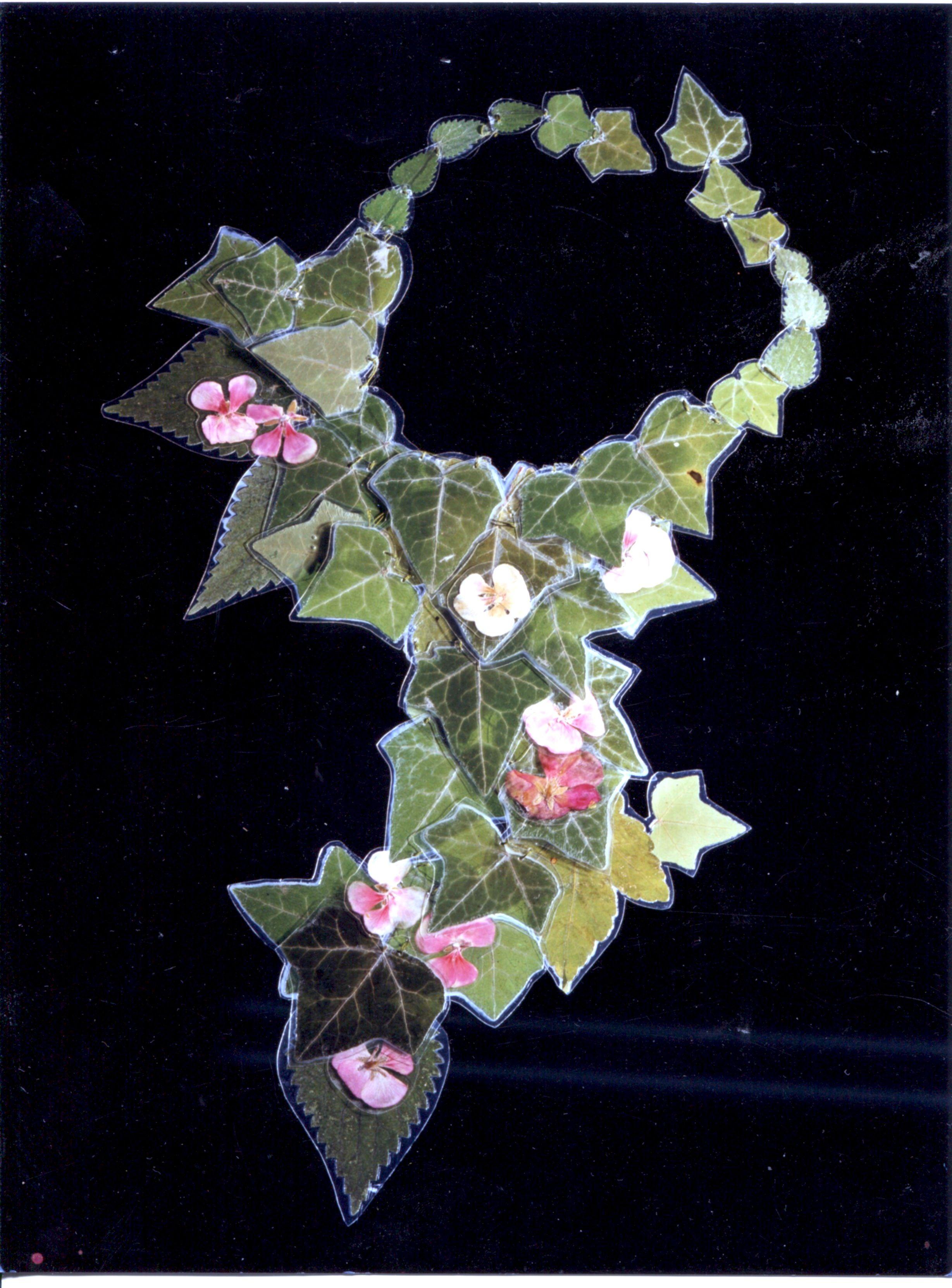 veronica guiduzzi, la prima collana, edera e geranio  plastificati e cuciti, 1997