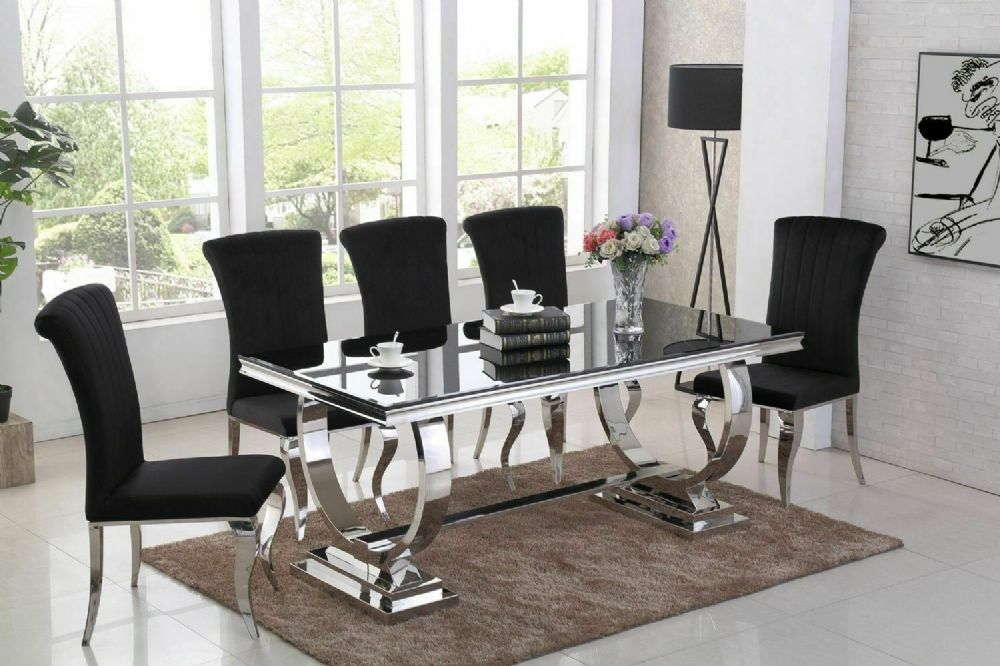 The Arianna Dining Table Has Show Stopper Looks However It Won T Dominate Your Space The S Unique Dining Room Table Unique Dining Room Black Glass Dining Table