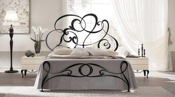 schlafzimmer gestalten metallbett schmiedeeisen schwarz rankenmuster