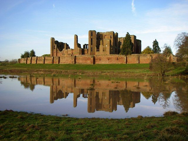Kenilworth, Warwickshire, Great Brirtain - Ruined castle, where Queen Elizabeth I was said to have had an illicit affair with Robert Dudley. Also the first place in Great Britain where potatoes were grown.