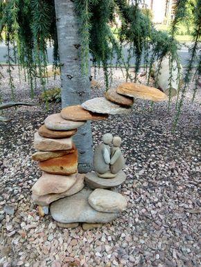Steinskulptur Aus Meinem Garten Steinfiguren Garten Skulpturen Garten Gartenkunst