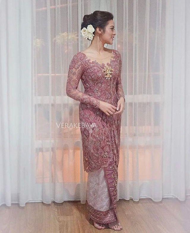 Photo of Raisa is wearing Vera Kebaya