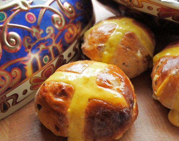 Baking for Easter - The History of Traditional Hot Cross Buns and Hot Cross Bun Recipe - Lavender and Lovage
