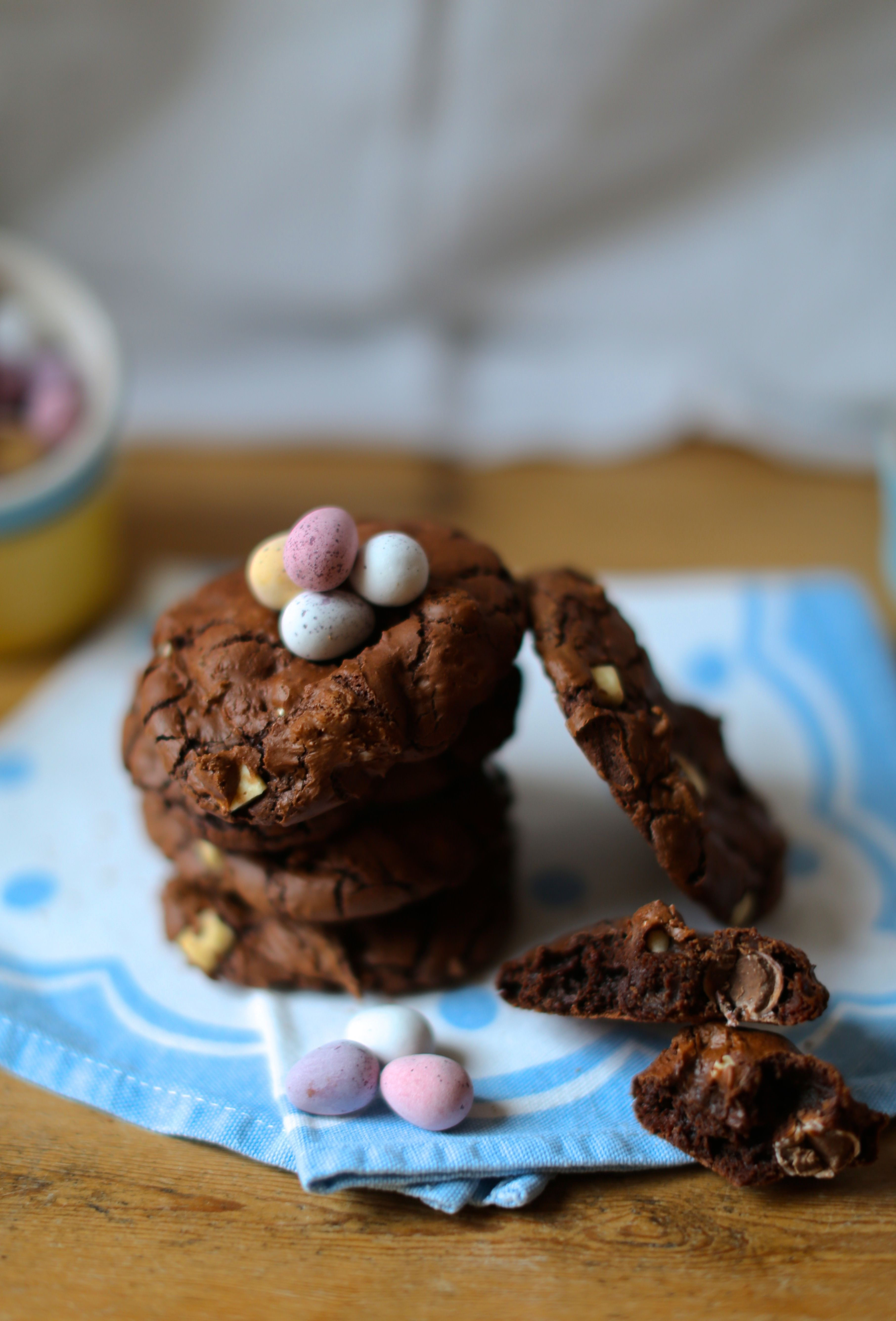 Chocolate Mini Egg Cookies :: www.scarletscorchdroppers.com